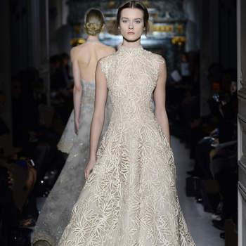 Aunque pasará a la historia de la moda como el vestido que Anne Hathaway no llegó a lucir en la gala de los Oscars, este modelo nos parece una buena elección para una novia. Foto: Valentino.