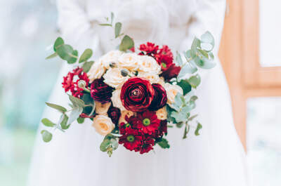 O real significado dos padrinhos de casamento: Pense bem em quem você vai convidar!