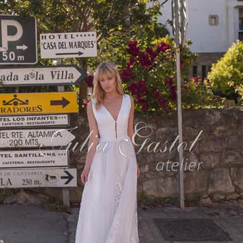 Bądź księżniczką w swoim zamku! Piękne i delikatne suknie ślubne! Na pewno znajdziesz tu swoją  wyjątkową! Nie przegap!
