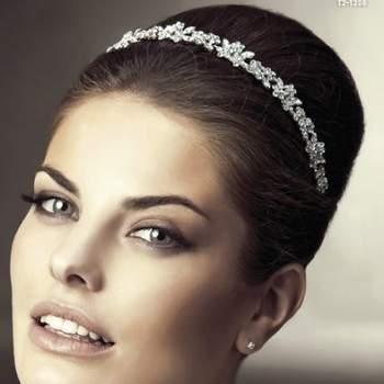 O look da noiva é o mais importante do dia e deve estar impecável. Para isto, conte com os acessórios de San Patrick. Lindos e elegantes, deixarão seu penteado ainda mais encantador.