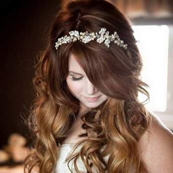 "<a href=""https://www.zankyou.pt/f/clara-spa-418391"" target=""_blank""> Clara Hair Spa </a>"