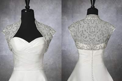 Cuellos, boleros y estolas para una boda en invierno: complementos para tu vestido de novia