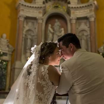 "<a href=""https://www.zankyou.com.co/f/regino-villarreal-bodas-destino-369966"" target=""_blank""> Regino Villarreal bodas Destino</a>"