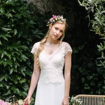 Robe de mariée intemporelle modèle Alix - Crédit photo: Elsa Gary