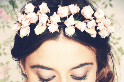 Floral bridal hairstyles: full of freshness and colour