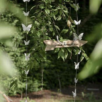 Decoración hilo y mariposas