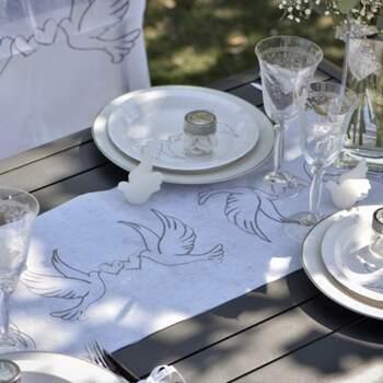 Rouleau De Table Pigeons Amoureux - The Wedding Shop !