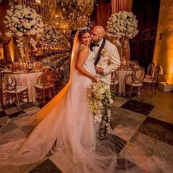 """Un equipo de wedding planning te asegurará contar con los mejores precios y por supuesto, los mejores servicios <a href=""""https://www.zankyou.com.co/f/enamorec-734767"""" target=""""_blank"""">EnamorEC</a>."""