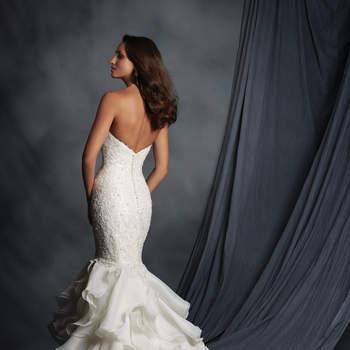 ea57c006f057 Entra in contatto con i fornitori citati in questo articolo. Dorian s  Negozi di abiti da sposa