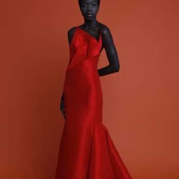 Angel Sanchez nos presenteia com um festival de cores nesta sua colecção Resort 2013. Se procura um vestido de festa vibrante, está no lugar certo!