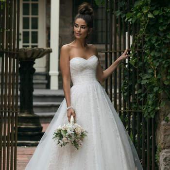 Modelo 44055, vestido de novia con falda voluminosa de tul y escote corazón