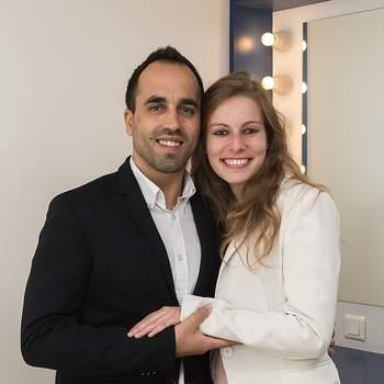 """Diana Garcia, de 26 anos, e Diogo Frasão, de 29, também optaram pela cerimónia religiosa para serem abençoados pelo Santo Casamenteiro. Ambos juristas, da Penha de França, definem o seu amor pelo """"respeito e a amizade""""."""