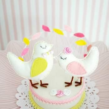 Cake-Topper in Pastelfarben