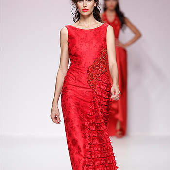 Robe de soirée rouge d'inspiration espagnole. Barcelona Bridal Week/ Cibeles Madrid Novias