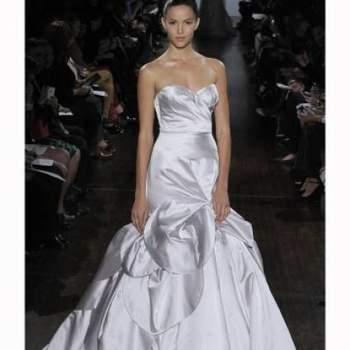Escolher o vestido de noiva perfeito não é fácil, por isto estamos aqui para te ajudar! Aproveite e inspire-se nos mais diversos modelos e estilos desta coleção Outono 2013 de Austin Scarlett.