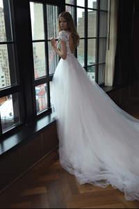 Brautkleider im Prinzessinnen-Stil 2017