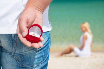 ER macht einen Heiratsantrag aber ich fühle mich noch nicht bereits dazu! Was soll ich sagen?