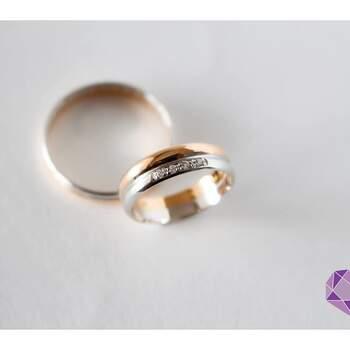Minha Jóia Atelier - alianças em prata com brilhantes e aliança em ouro rosa