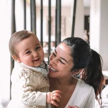 Os cantores mostram-se sempre muito rendidos ao filho nas redes sociais. | Foto via Instagram @ officialmiarose