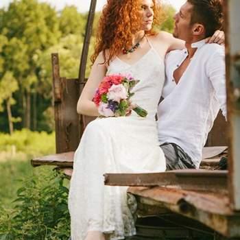 Os noivos poderão fazer a sessão de fotos descalços para dar-lhe um ar mais hippie à sessão. Foto: Bell Studio.
