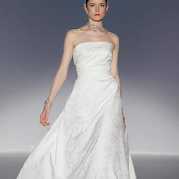 Robe de mariée bustier aux lignes simples et au tombé impeccable, Cymbeline 2012