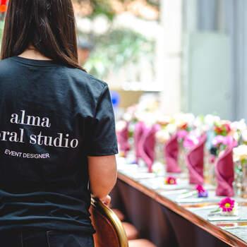 "<a href=""https://www.zankyou.com.co/f/alma-event-wedding-planner-707276"" target=""_blank"">Alma Event &amp; Wedding Planner</a> te ayudará a tomar las decisiones correctas para una boda a tu estilo."