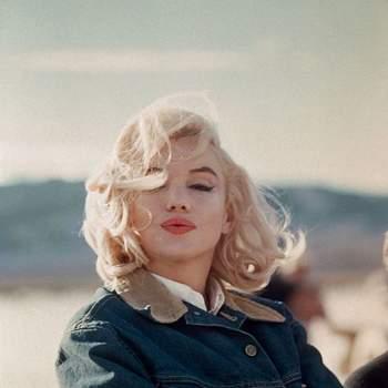 """""""Não sei quem inventou o salto alto, mas todas as mulheres devem muito a esta pessoa"""" - Marilyn Monroe"""