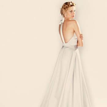 Robe Swan en satin duchesse noeud dos Source : DelphineManivet.com