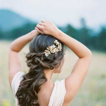 Penteado para noiva semi preso | Crédito: Jennifer Blair Photography