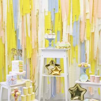 Décoration bandes jaunes 4 pièces - Achetez sur The Wedding Shop !