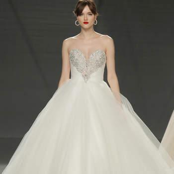 Vestidos de noiva com pedraria: modelos impressionantes com puro glamour