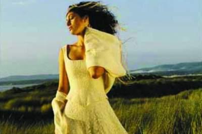 Zélia sur la Terre comme au Ciel : créatrice de robes de rêve