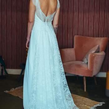 Robe de mariée bohème modèle Rose - Crédit photo: Elsa Gary