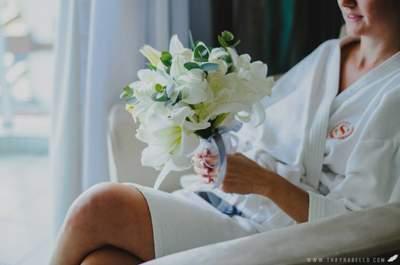 Una preciosa boda real decorada con flores silvestres: No querrás perder detalle alguno