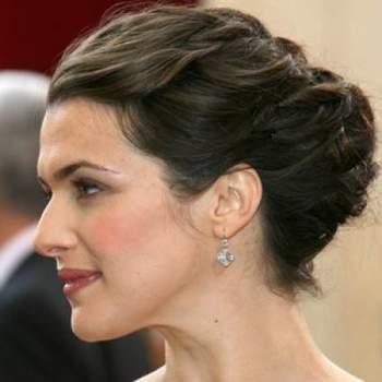 La guapa esposa de James Bond, Rachel Weisz, se ha decantado en varias ocasiones por recogidos a base de trenzas. Foto: Youtube.com