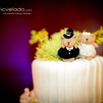Cake topper romantico con due orsetti vestiti da sposi