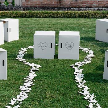 Taburete Plegable Blanco Corazon- Compra en The Wedding Shop