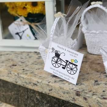 Se você gostaria de usar bicicletas como parte da sua decoração, trouxemos algumas ideias para te inspirar!
