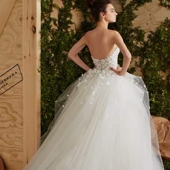 Carolina Herrera 2017 Wedding Dresses: Romanticism and Elegance