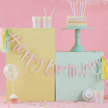 Guirnalda color Paste Feliz Cumpleaños- Compra en The Wedding Shop