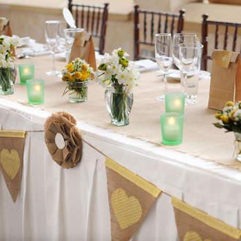 Centre de table version champêtre. Source : Style Me Pretty, Lynn Gail Organic Weddings