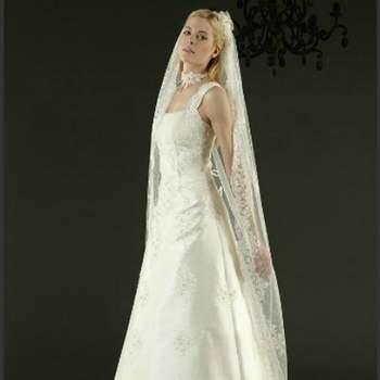 Robe de mariée de Masha Malinelli, Penza couleur ivoire. Crédit photo: Complicité
