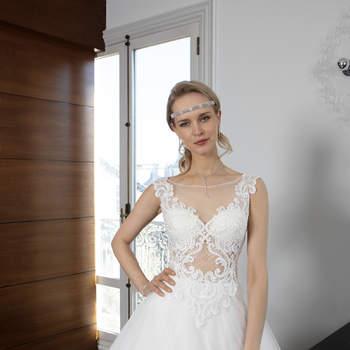 Photo : Les Mariées de Talia - Bella Créations, robe Sloane