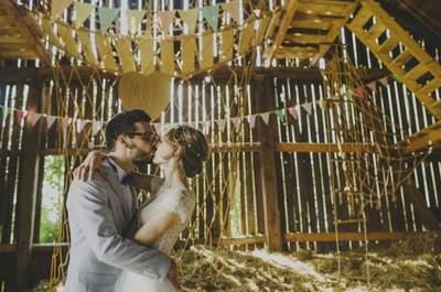 Pastelowa stodoła i wirująca miłość w krakowskim reportażu ślubnym Marysi i Pawła!