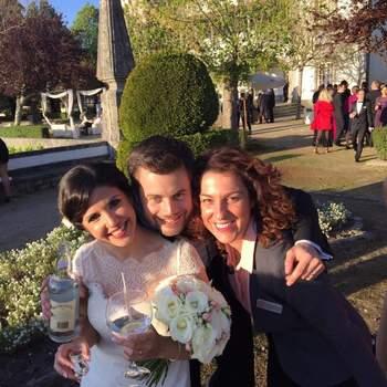 Foto da Wedding Planner Mary Me com os noivos