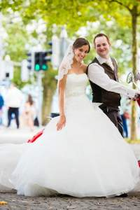 10 Tipps, wie Sie bei Ihrer Hochzeit Geld sparen können