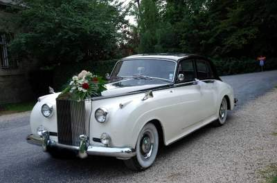 Location Rétro Mariage : la voiture de mariage de vos rêves vous attend !