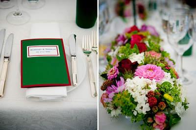 Ideas DIY: Decora las mesas del banquete de bodas con flores de colores y envases reciclados