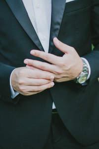 Facettenreiche Anzugmode für den Bräutigam