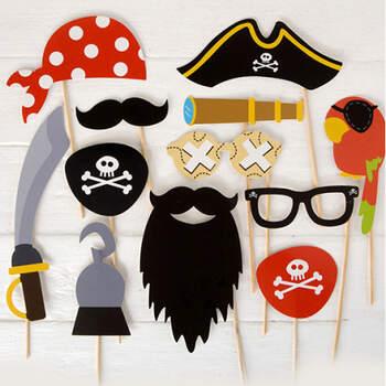 Atrezzo para photocall piratas 12 unidades- Compra en The Wedding Shop